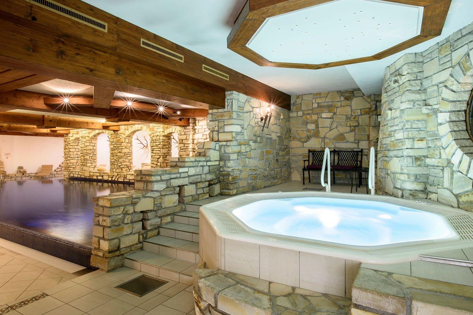 alpine spa wellnessurlaub im hotel alpenrose in schruns. Black Bedroom Furniture Sets. Home Design Ideas